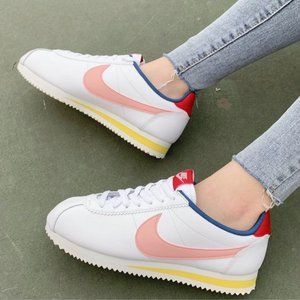 NEW Nike Classic Cortez Leather Womens Sneakers